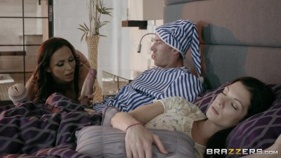 Nikki Benz and her favorite toy - Brazzers