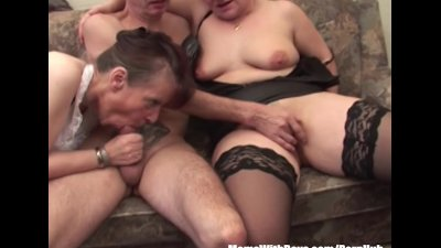 Two Grannies In Threesome Vege Fucking