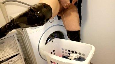 Milf pissing in laundry basket