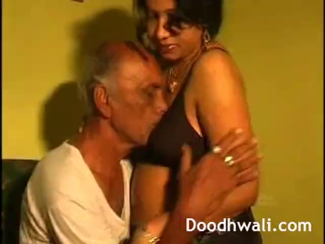 Preview 1 of Next Door Desi Bhabhi Fucked By Father In Law Leaked Online