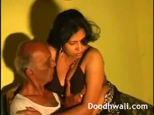 Preview 3 of Next Door Desi Bhabhi Fucked By Father In Law Leaked Online