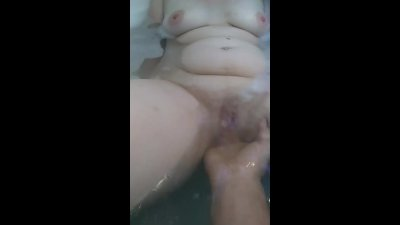 fingering tight milf pussy in the tub