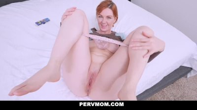 PervMom - Hot Mom Finds Stepsons Jizz Rag