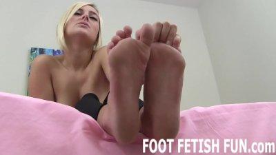 Femdom Foot Worshiping And Toe Sucking Videos