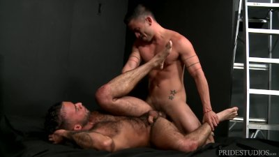MenOver30 Not Getting Caught In Public! Let Me Fuck U Inside Papi
