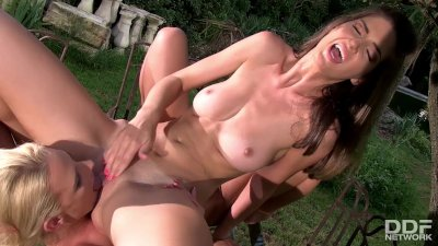 Lesbian pussy fingering fun with glamour babes Chelsey Lanette & Charlotta