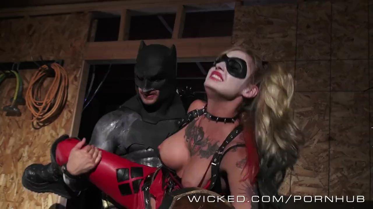 Wicked - Batman fucks Kleio Valentien as Harley Quinn