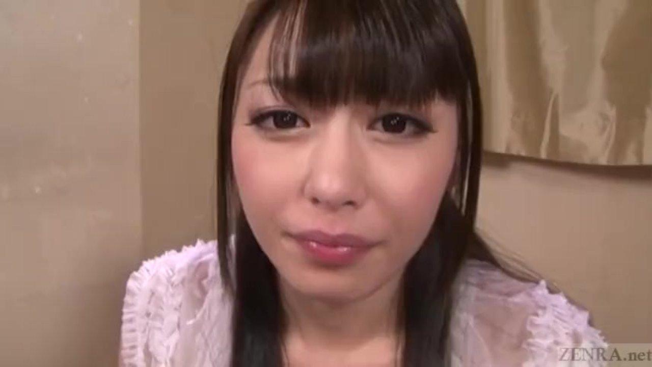桜井あゆ たくさんのチンコを手コキフェラで口内射精させ精子全部ごっくんしちゃう