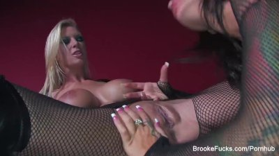 Brooke and Angelina are fishnet lesbians