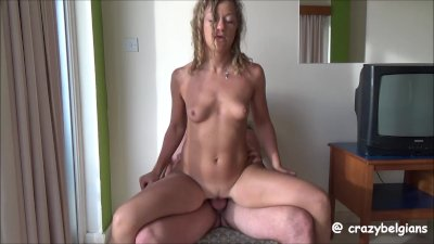 Couch Sex & Cum in her Pussy