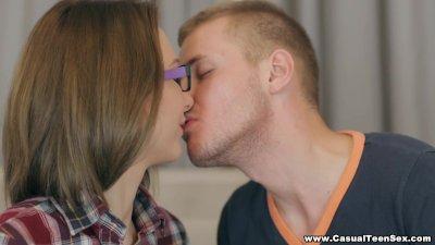 Casual teen Sex - How to seduce a nerdy teen