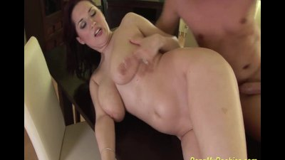 sexy babes gives a bigtit job