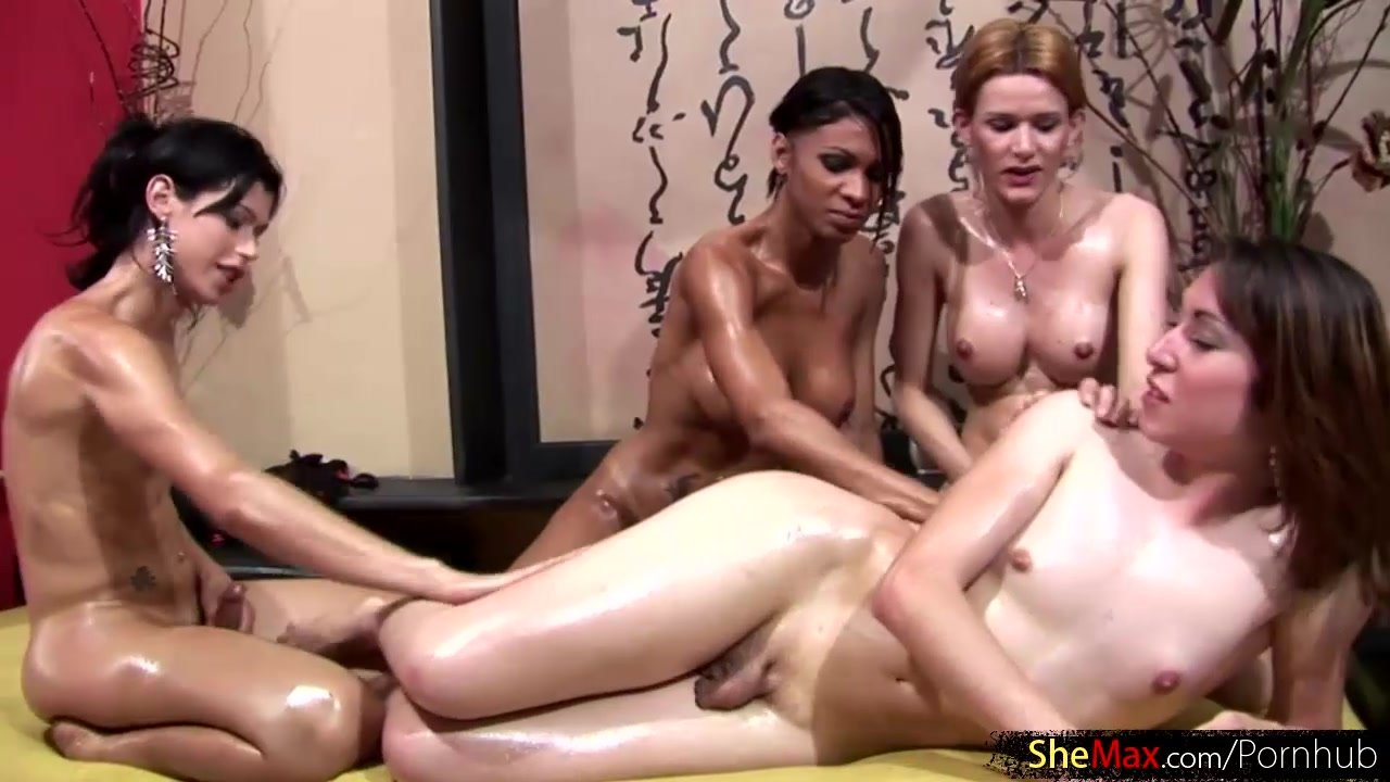 Actrices Porno Altas Pornhub foursome shemale gangbang full of cock sucking and anal fuck