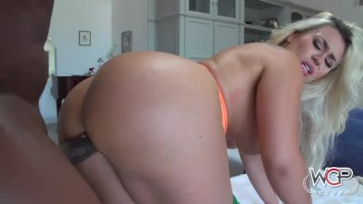 Pawg Assh Lee Loves To Bounce On Bbc