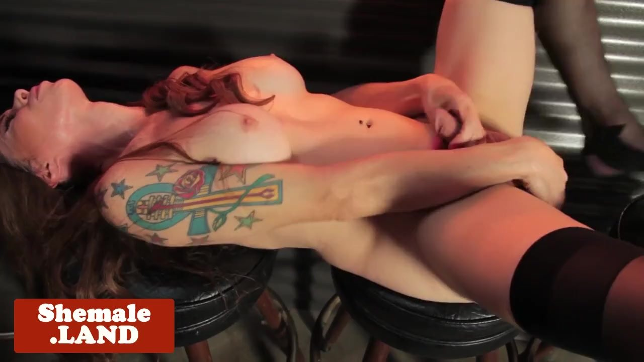 Kinky tgirl solo toying ass while jerking off