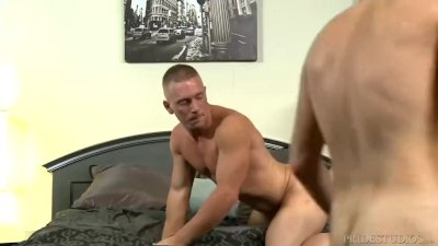 MenOver30 Couple Takes Turns on Hunky Hole
