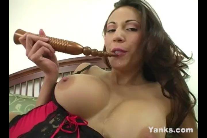 Hottie Yanks Vixen Layla Rivera Cums