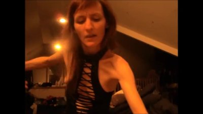 Seductive Wife Pegs Her Man