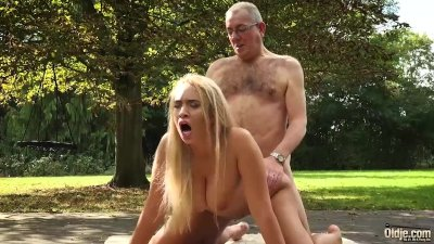 Grandpa Fucks Blonde Teen With Big Boobs And Fingers Pussy Feeds Her Cum