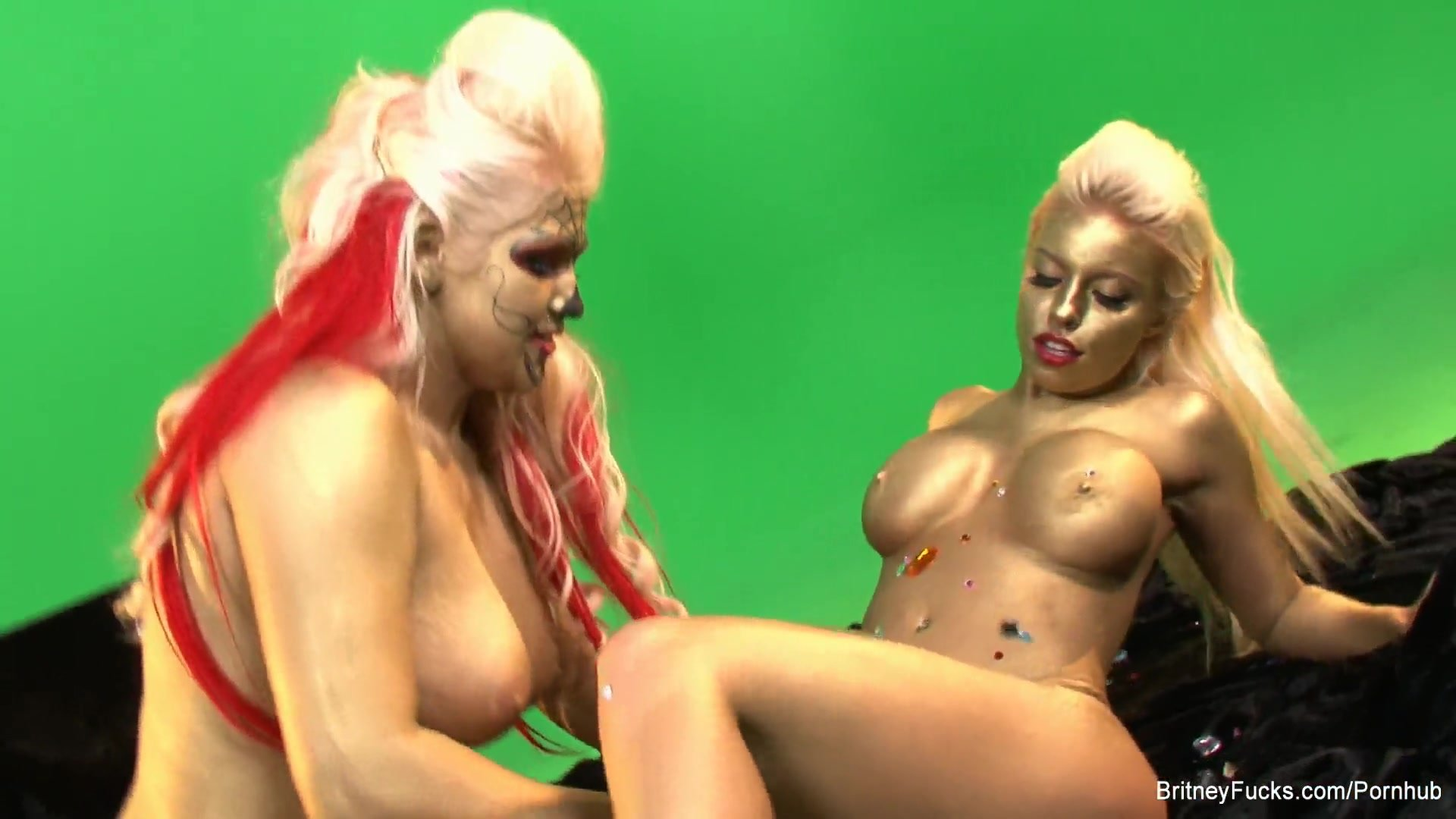 Britney and Nikki are painted gold and ready to fuck
