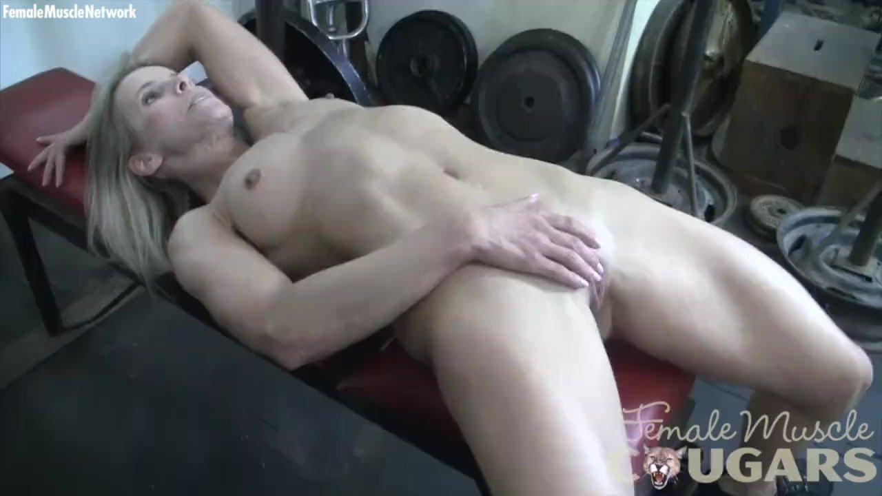 Masturbate/gym mature the bodybuilder female