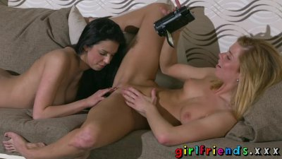 Girlfriends Chrissy Fox and big tits babe Foxxi Black lesbian pussy licking