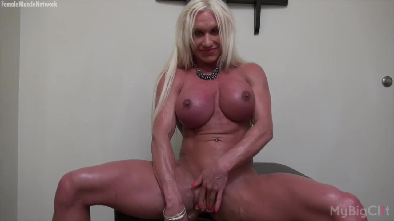 Female bodybuilders face squirting