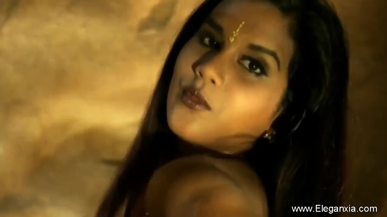 Sensual Delights From Sweet Indian MILF