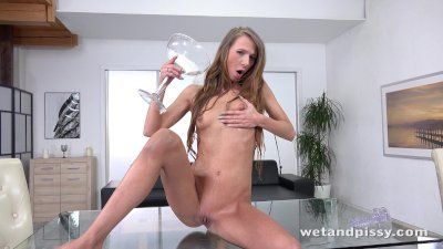 Wetandpissy Paris Devine Gets Piss Drenched While Toying A Jelly Dildo