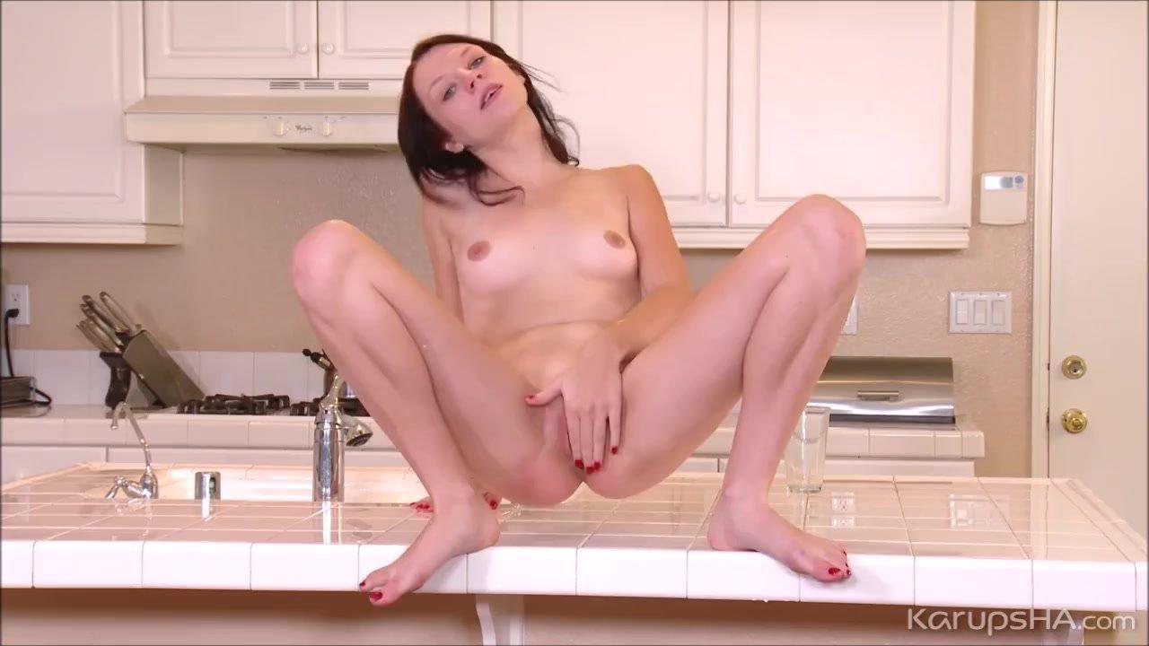 Karupsha/fingering/love shaved pussy chloe finger