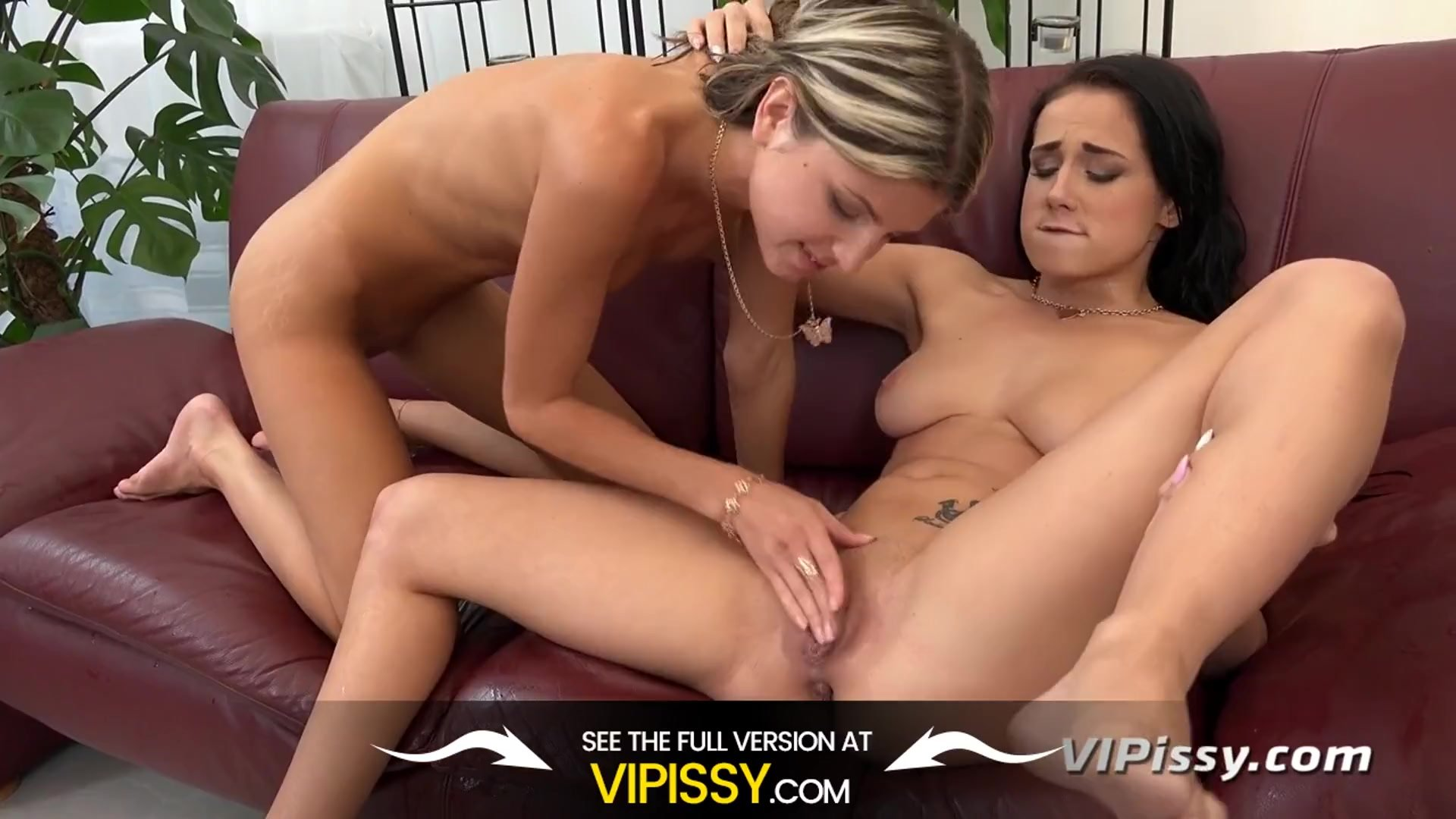 Vipissy - Stunning lesbians cover each other in piss during lesbian sex