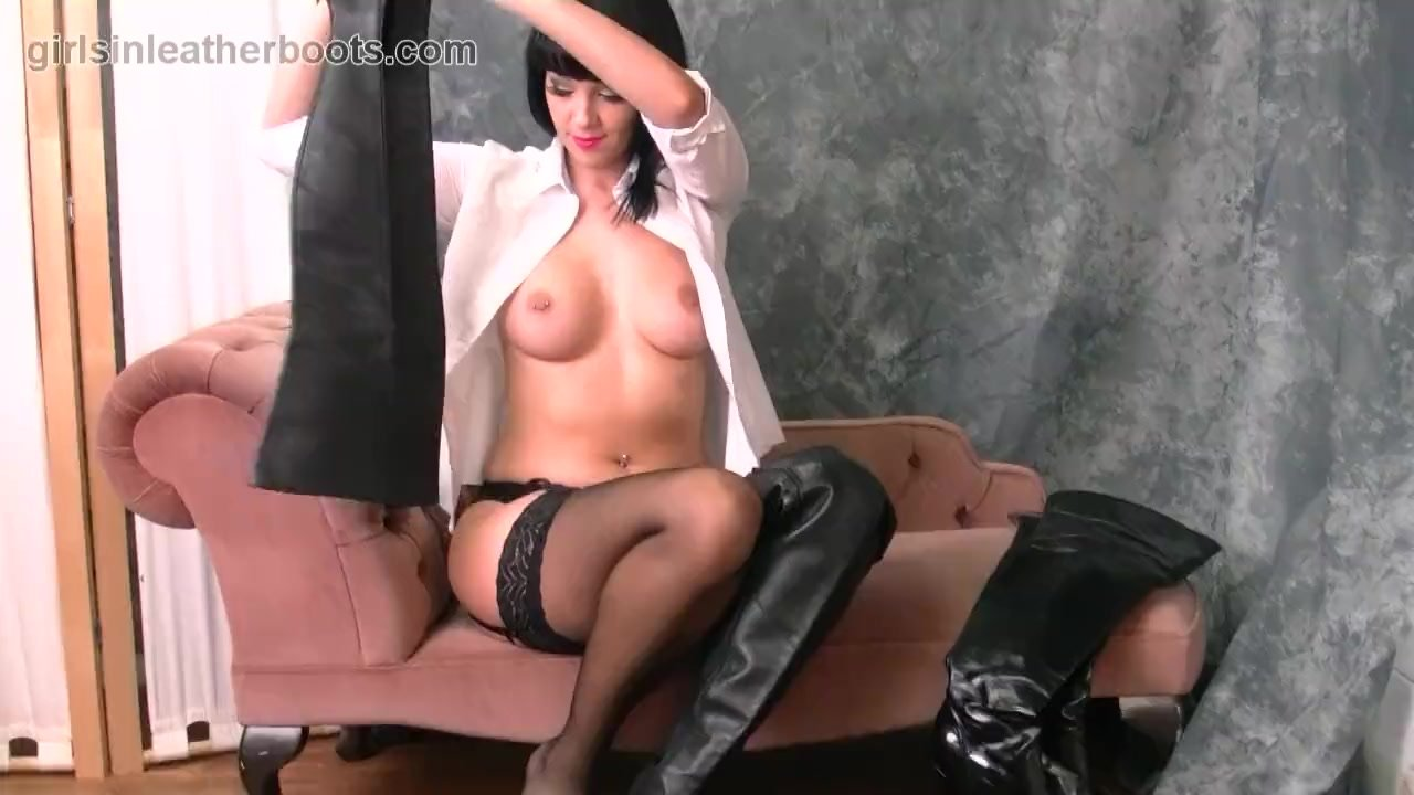 Kinky brunette with big tits puts on leather boots with her nylons panties
