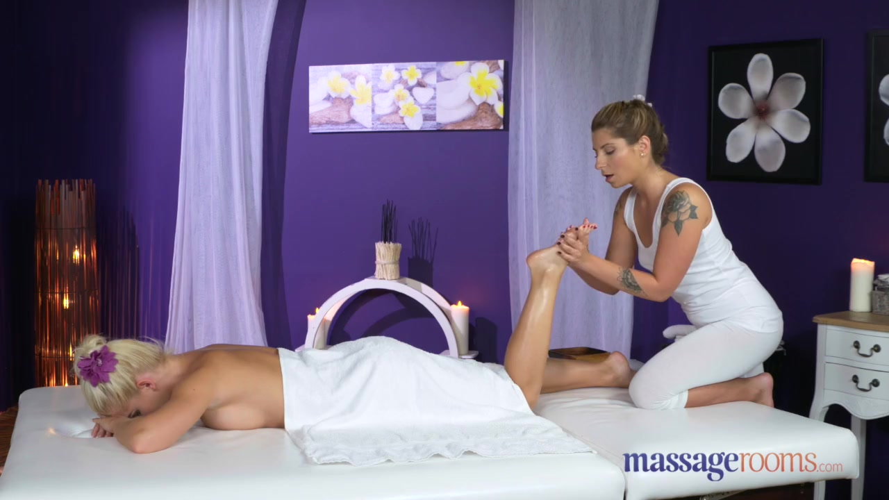 Preview 1 of Massage Rooms Sexy Blonde And Brunette Lesbians Give Each Other Orgasms