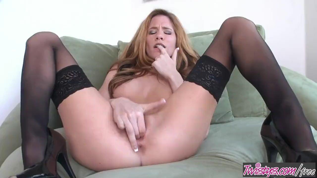 Elizabeth pelayo nude