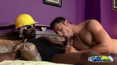 Thug Cock Sucks A Construction Worker