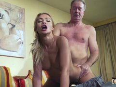 cassidy banks plays games
