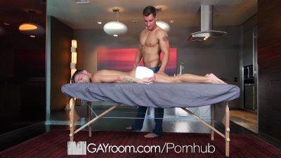 GayRoom Oiled up massage fuck with Casey Everett and Jordan Boss