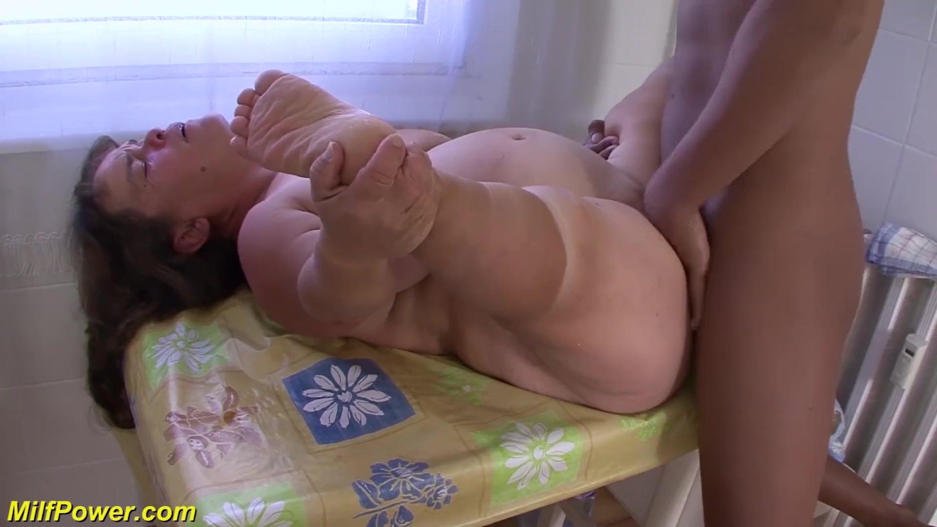 Cumshot/cock sucking/busty cock mature fucked big