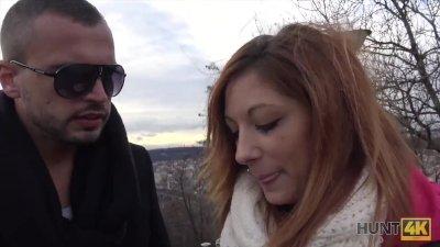 Sex for Cash Video gratuit porno anal surprise