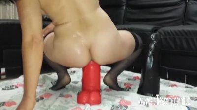 Amateur insertion porn