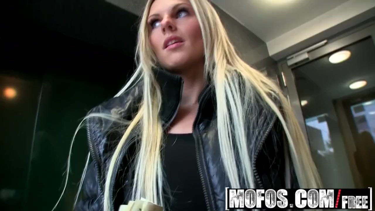 Mofos - Public Pick Ups - Time to End Her Dry Spell , Mia Angel