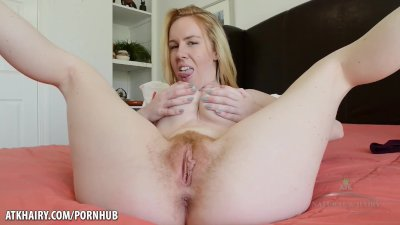 Big titty blonde sharing her hairy pussy Kierra Wilde