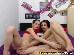 Steamy Hot Lesbian Babes Pussy Fingering