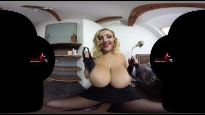 StockingsVR.com - Boobmania 34HH Krystal Swift