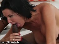 Hot MILF Veronica Avluv's Ass Says YES 2 Isiah Maxwell's BBC