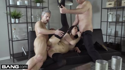 Glamkore - Lady Dee gets a double cumshot facial