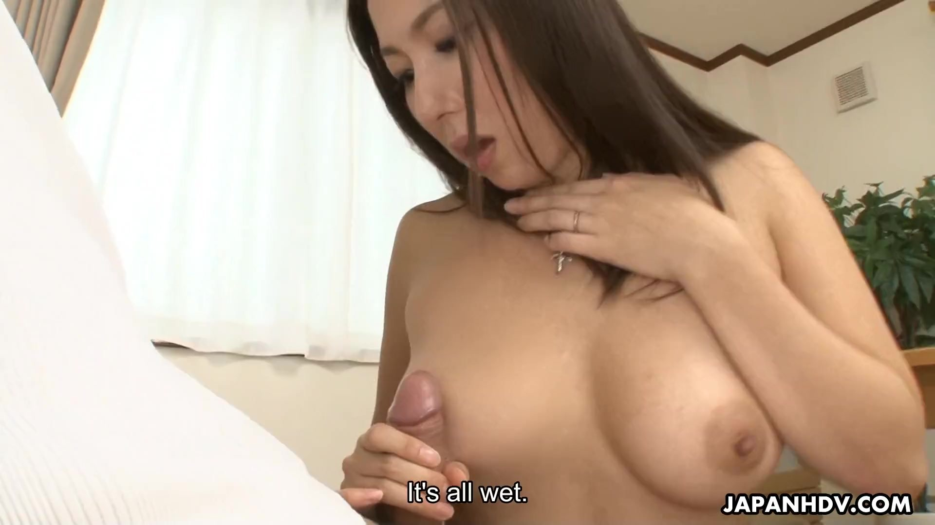 Sucking her meaty pussy then she returns the favor