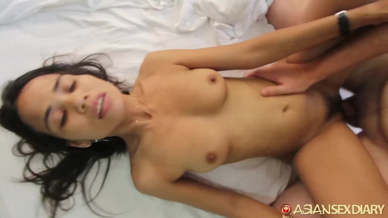 Asian Sex Diary - Big White Cock Empties Load In Filipina -4580