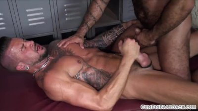 Deepthroating wolf barebacks hairy bear