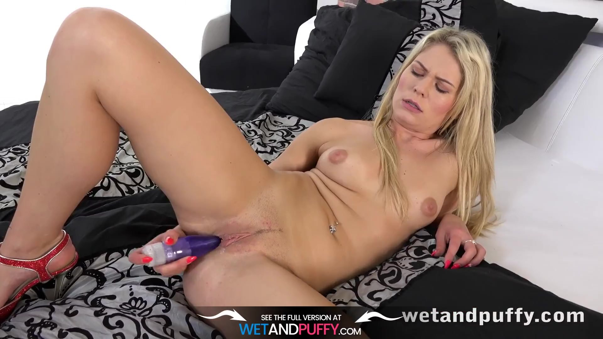Czech/girls masturbating/her lips claudia orgasming macc